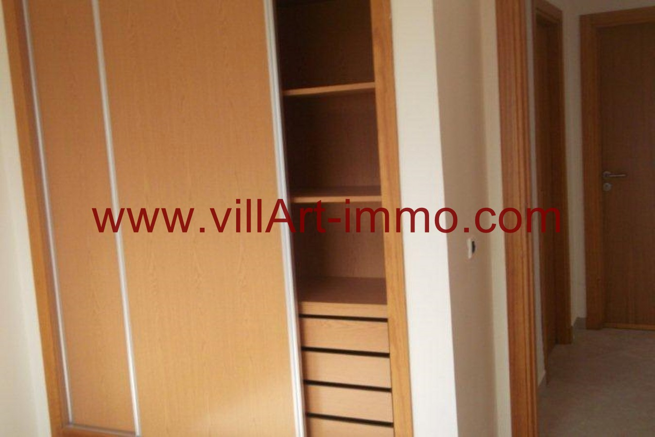 appartement en location tanger 4000 dh. Black Bedroom Furniture Sets. Home Design Ideas